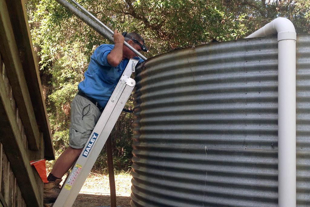Corrugated Water Tanks Professionally Cleaned